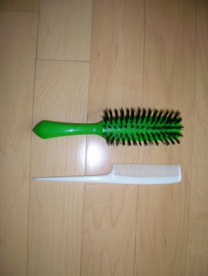 Hair Brush And Comb Ladies BNK1115