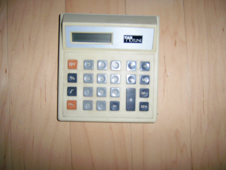 Hand Held Calculator Tax Hotline  BNK1165
