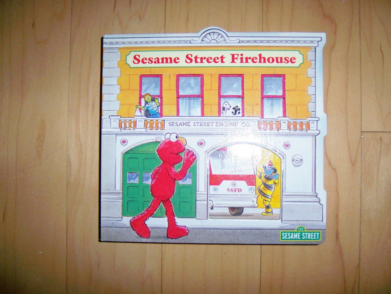 Sesame Street Firehouse  BNK1511