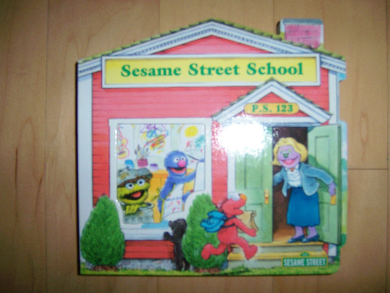 Sesame Street School Fully Illustrated BNK1512