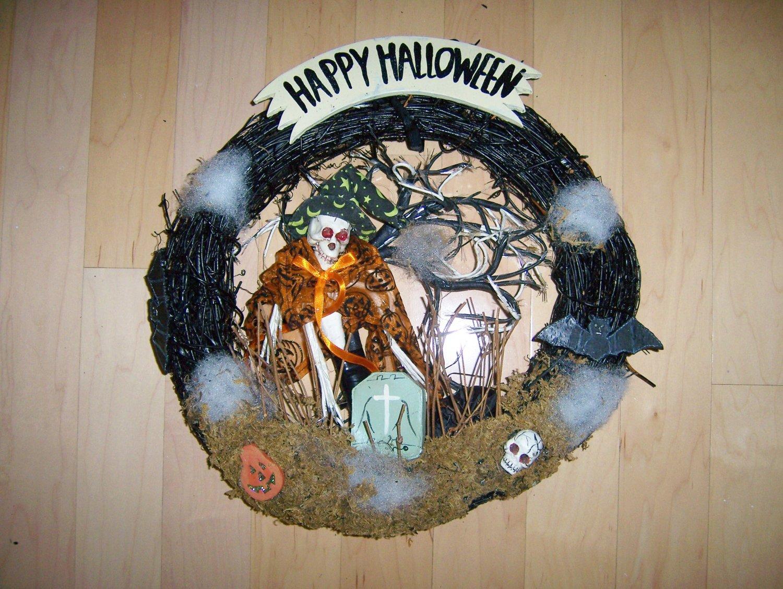 Happy Halloween Wreath  BNK1535