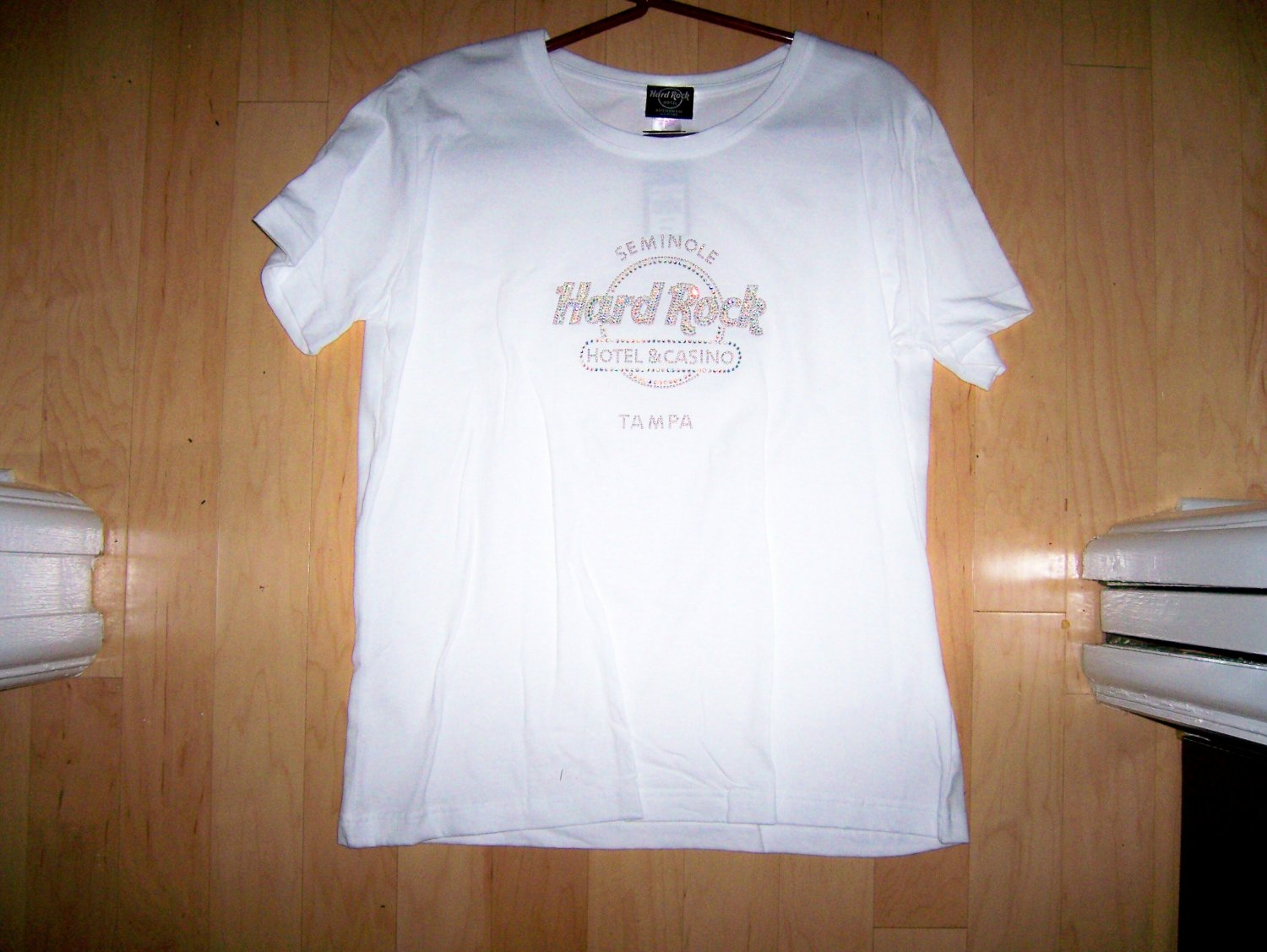 Hard Rock White Shirt Large BNK1555