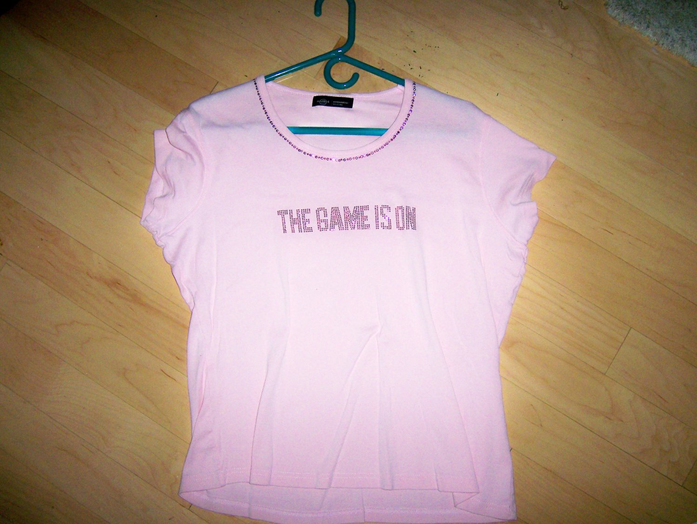 Hard Rock Pink Shirt Game Is On Medium BNK1567