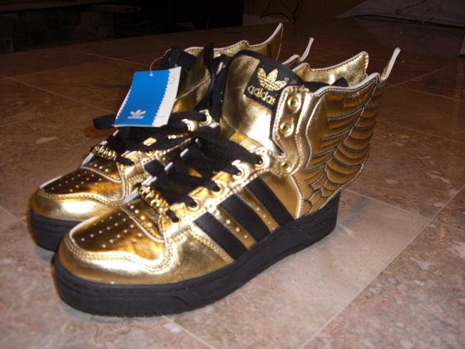 Adidas Jeremy Scott wings. gold white color