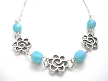 Daisy Flower Blue Beads Necklace
