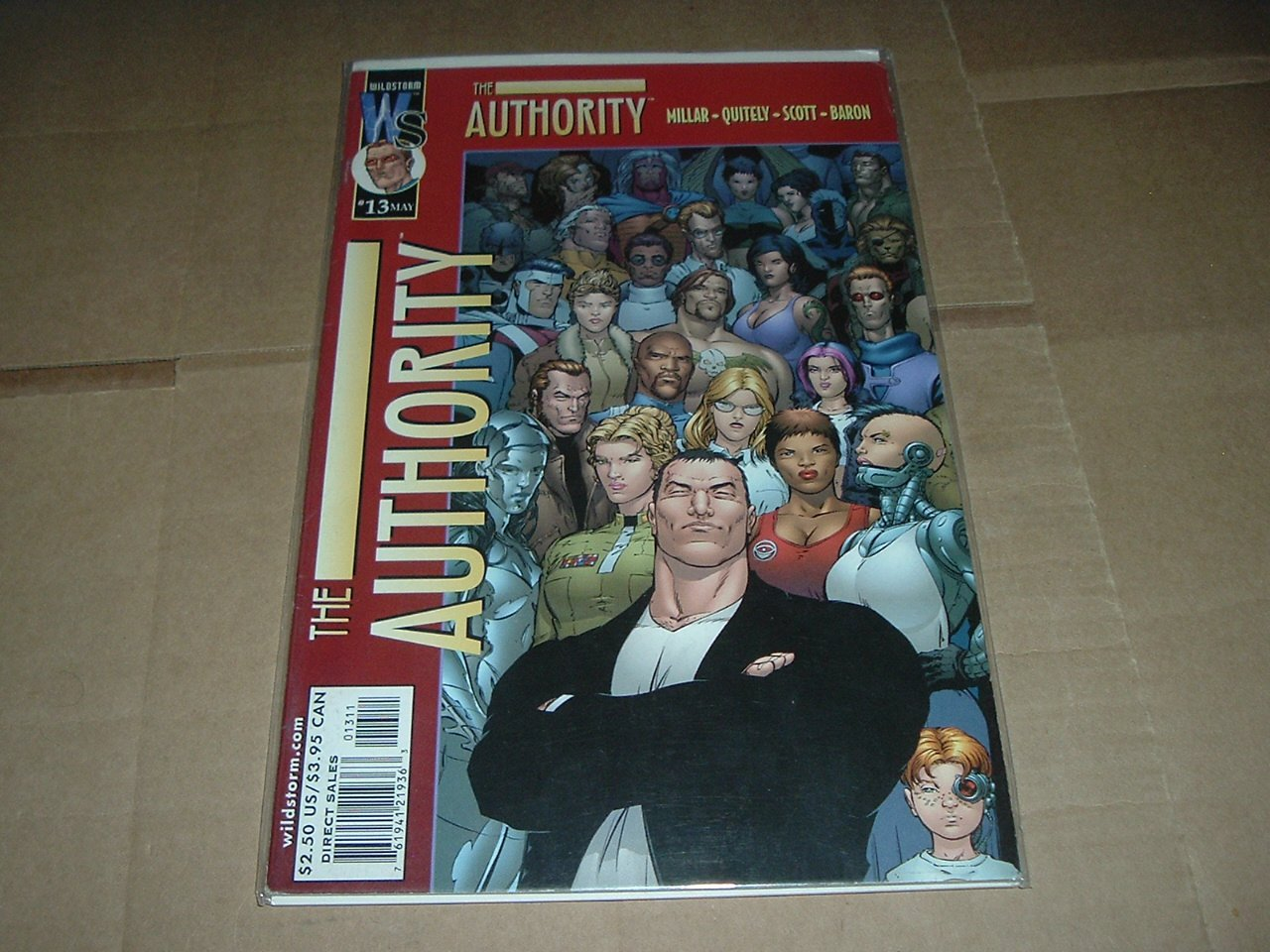 Authority #13 (vol 1) Mark Millar, F. Quitely (DC Wildstorm Comics 2000) FLAT RATE SHIPPING SPECIAL