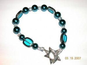 Gorgeous Bracelet. A Must Have. Swarovski Pearls, Swarovski Crystals, Unique Glass