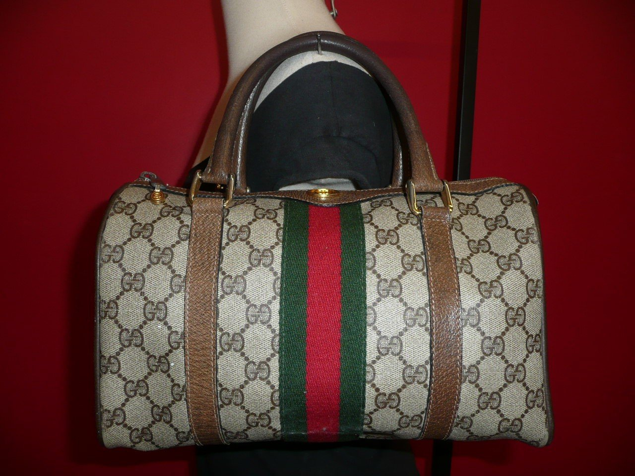 AUTHENTIC VINTAGE GUCCI GG SHELLEY DOCTOR HAND BAG