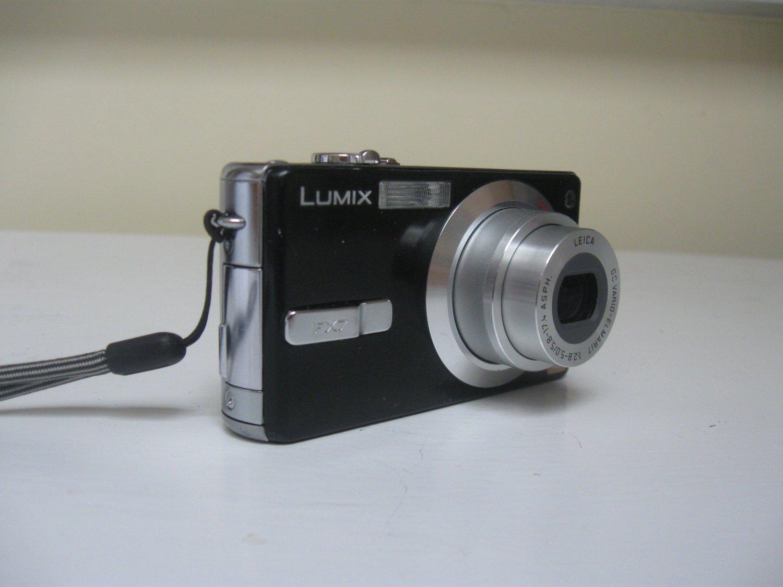 Panasonic Lumix DMC-FX7 -Black