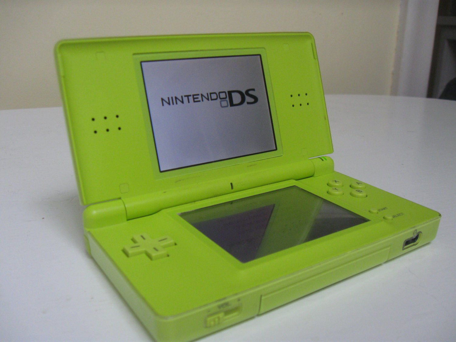 Limited Edition Green Nintendo DS Lite