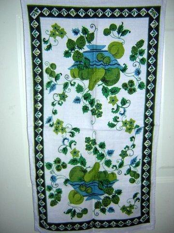 2 Vintage linen tea towel blue green fruit bowl & berries  hc1102