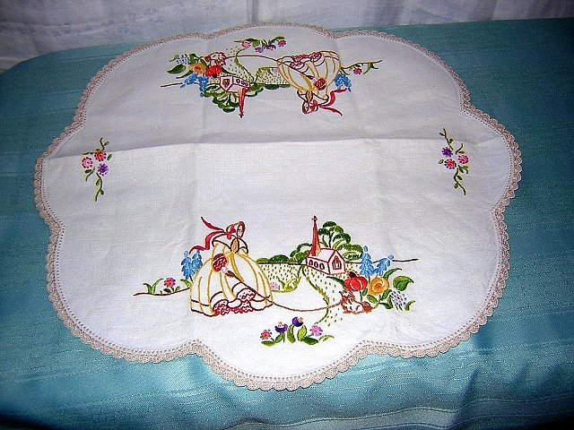 Vintage embroidered linen table mat southern belle #2 hc1162