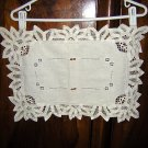 Battenburg lace handmade table or place mat centerpiece threadwork ecru vintage hc1211