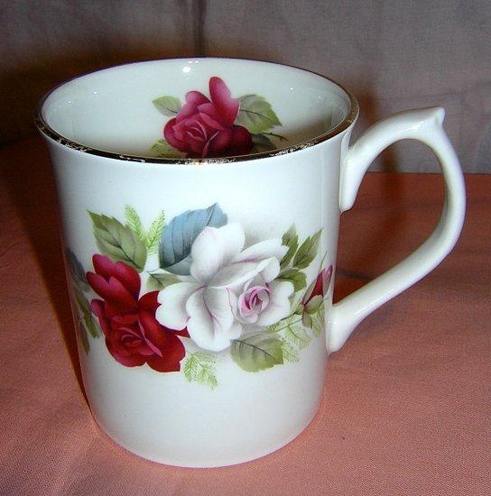 Elizabethan bone china roses mug Staffordshire England vintage hc1433