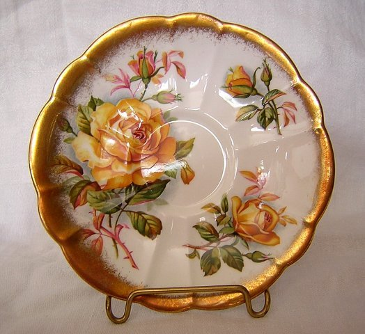 Royal Albert bone china saucer Gold Crest yellow roses hc1443
