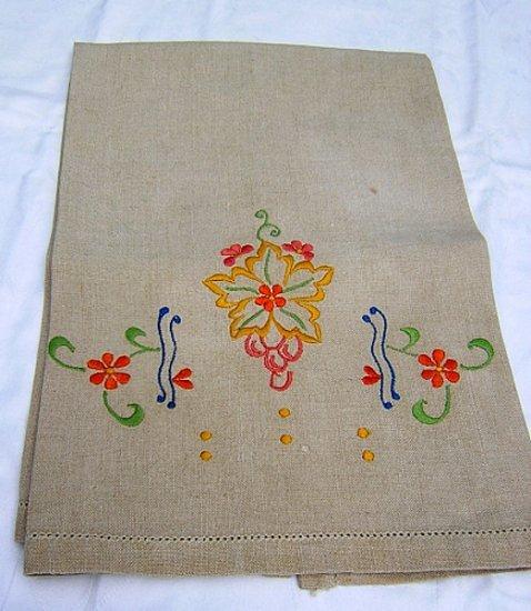 Vintage embroidered natural linen hand guest towel hc1484