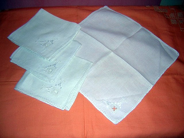 4 Linen napkins embroidered detail antique handmade hc1521
