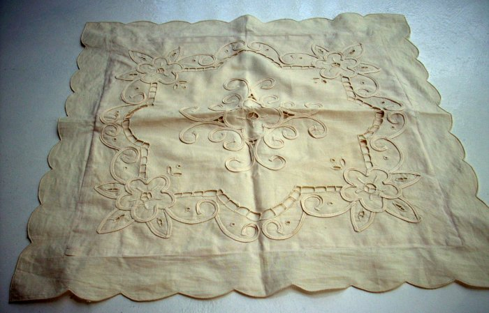 Cutwork braid toss cushion cover light sand vintage hc1587
