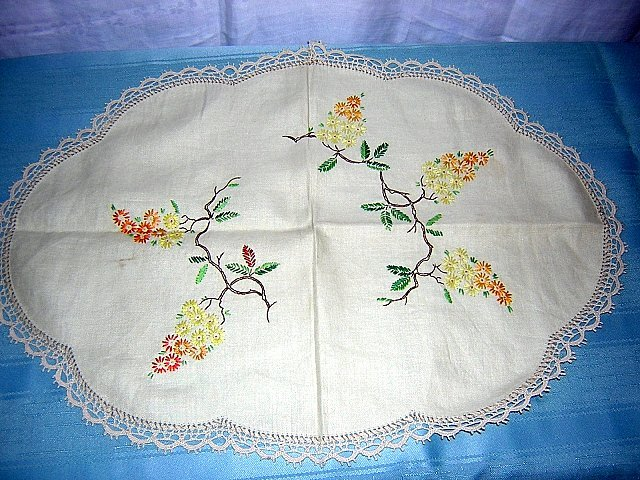 Embroidered linen dresser scarf table runner antique hc1704