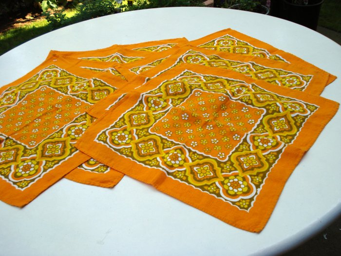 7 Bright retro linen napkins sunny great vintage linens hc1747