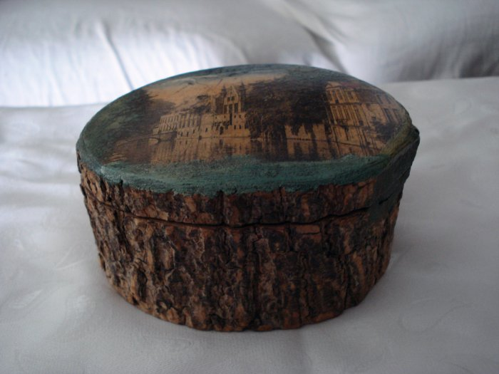 Vintage cedar box picture lid canal souvenir of Bruges Belgium hc1756
