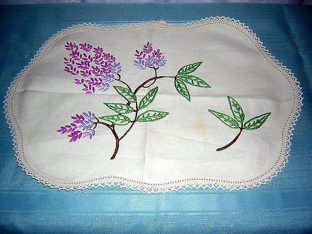 Embroidered linen dresser scarf table mat lilacs vintage hc1784