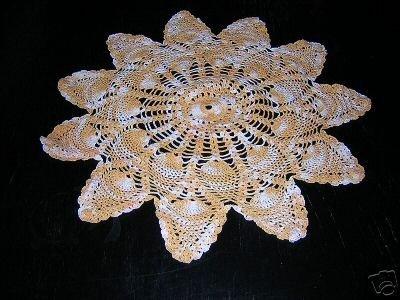 Antique pineapple motif crocheted doily varigated thread hc1855
