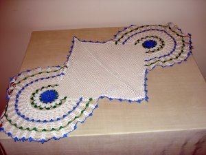Antique long doily for buffet or long table Irish crochet roses hc1983
