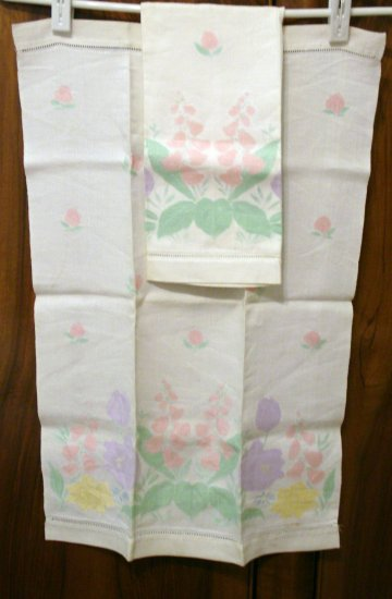 Pair antique linen huck hand towels pastel tinted jacquard pattern threadwork hem  hc2294