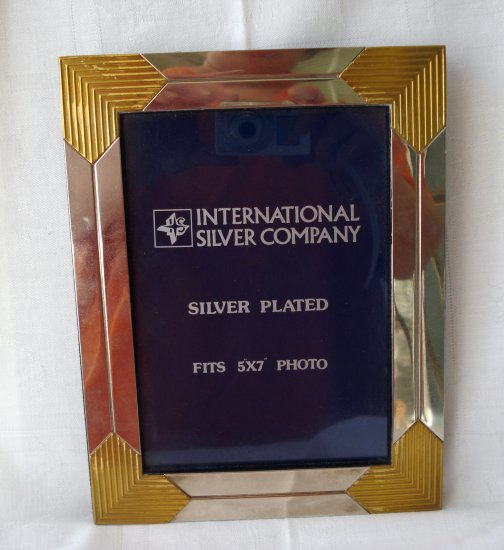 International silver company silver plated frame 5x7 easel hc2295