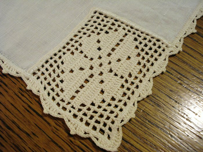 Antique linen placemat tray liner with filet lace corners ivory hc2386