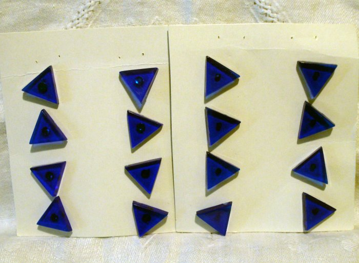 Apothecary blue triangle buttons studs pinch pin backs plastic  sewing crafts jewelry hc2441