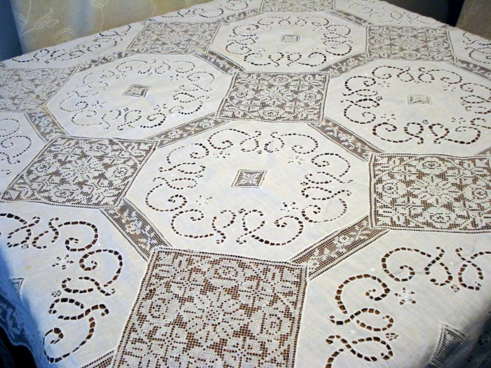 Antique linen and lace tablecloth filet lace open cut work hc2450