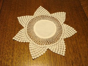 7 Pointed star doily table mat crochet and cotton white excellent vintage hc2884
