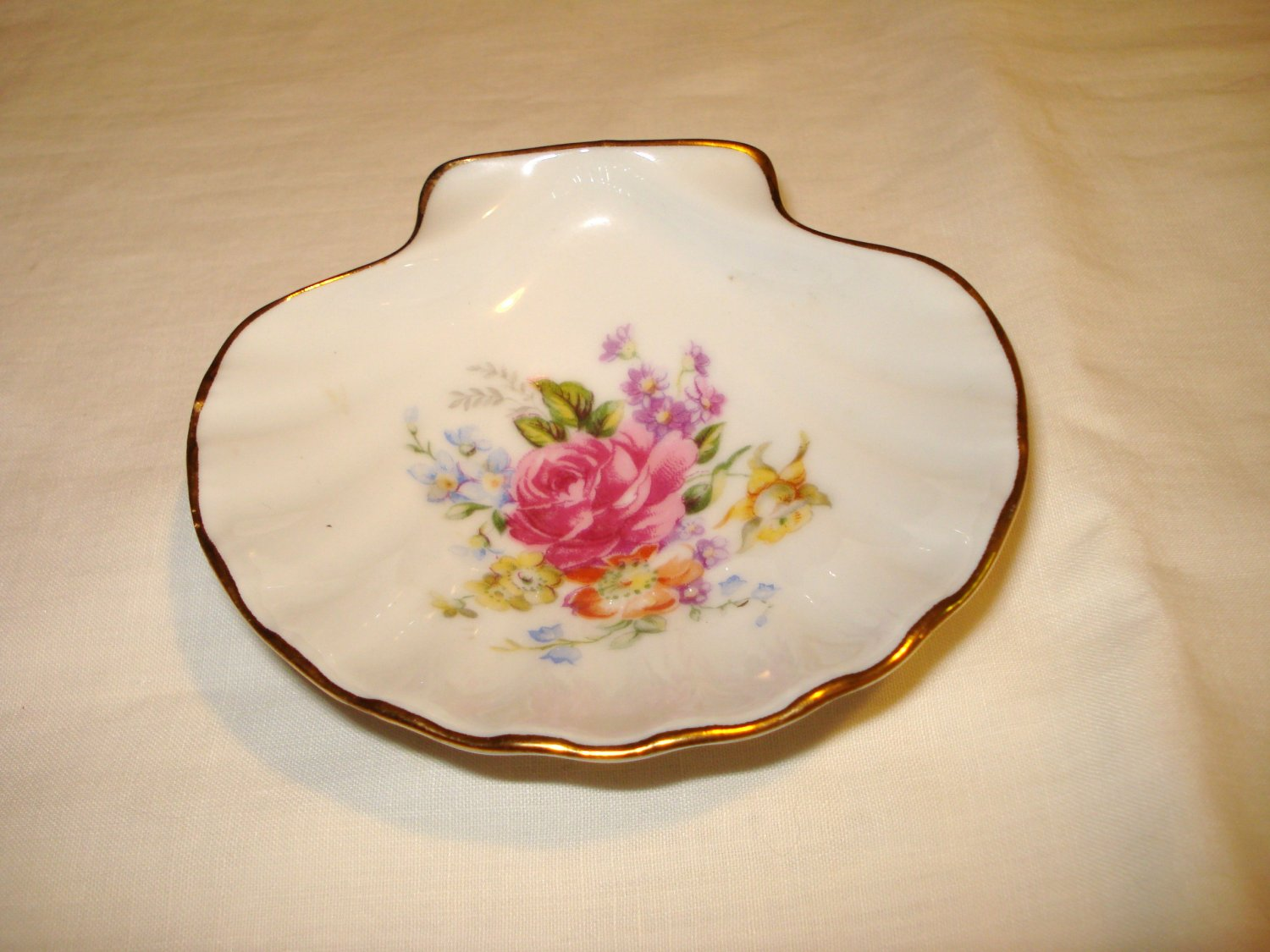 Limoges LEC France porcelain scallop shell dish floral motif gold trim perfect hc2903
