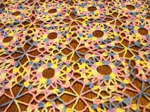 Varigated crochet table runner granny wheels pink blue yellow vintage hc2912