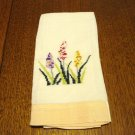 Cross-stitch linen guest towel peach border spikey flowers used vintage hc2937