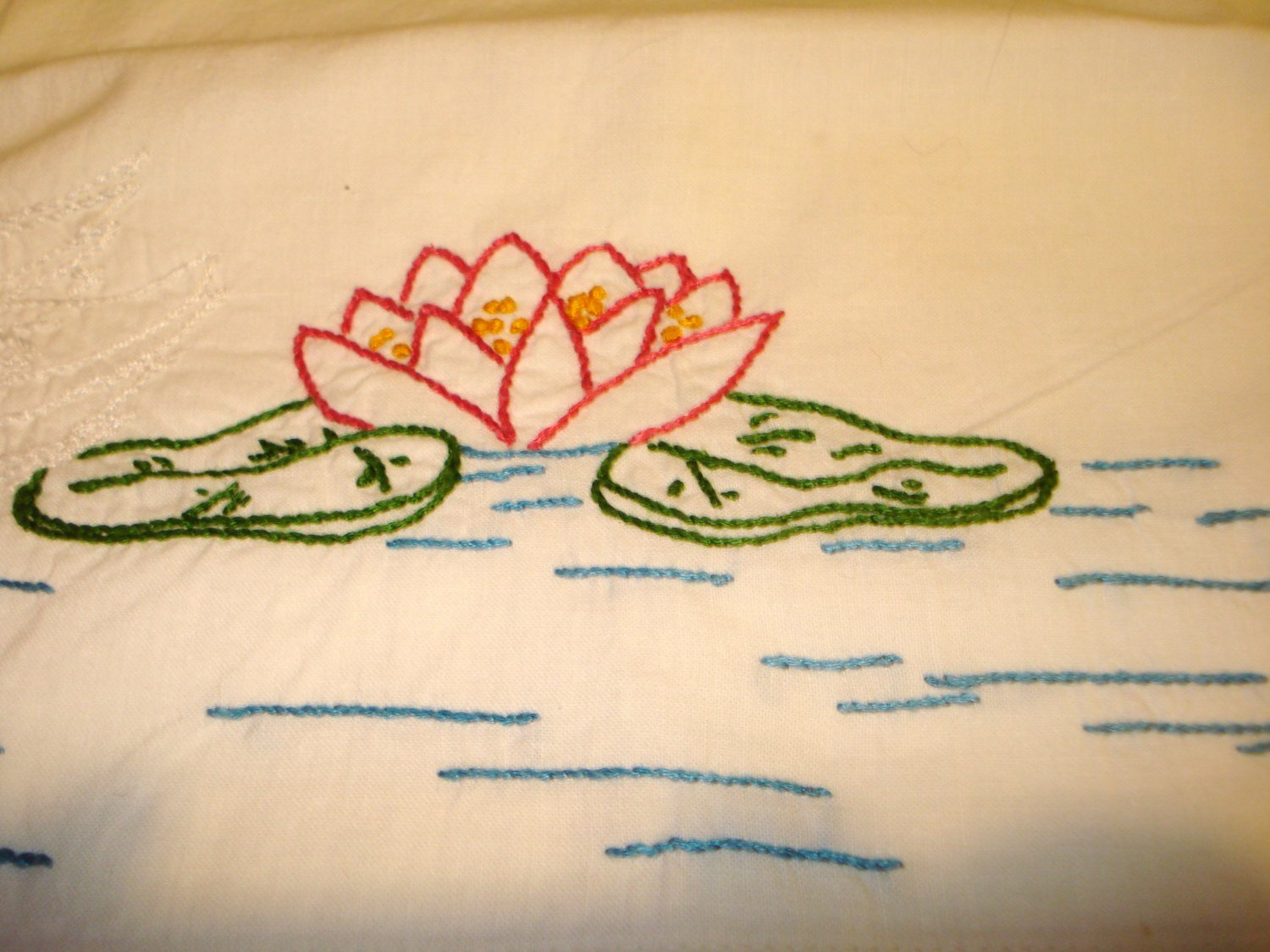 Hand embroidered pillow case cotton swan pond lilies filet lace border vintage hc2994
