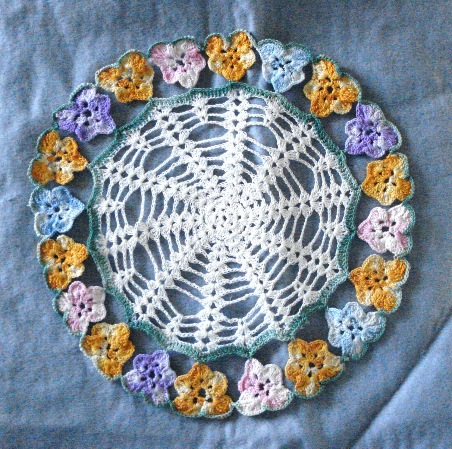Hand crocheted round doily with pansy border multicolor vintage hc2995