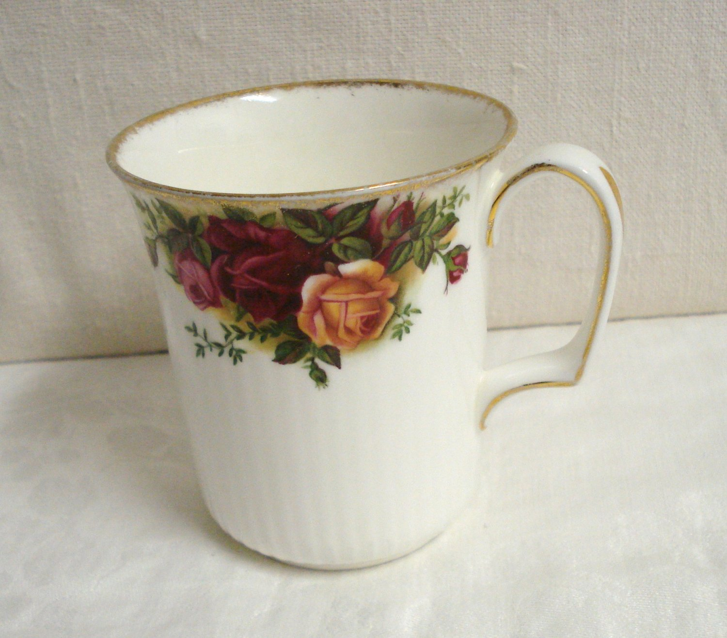 Royal Albert bone china mug Old Country Roses excellent vintage England  hc3256