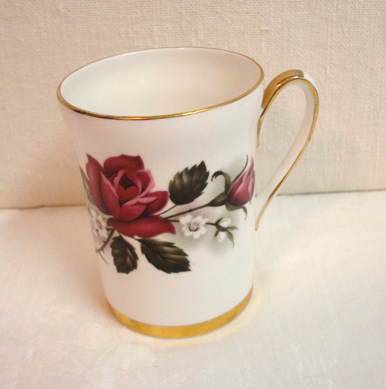 Crown Prince bone china mug with roses excellent vintage England  hc3259