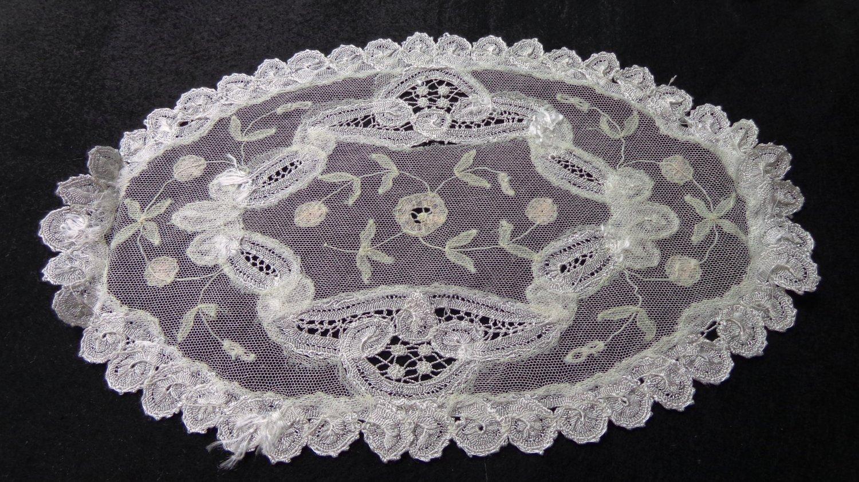 Silken net lace doily Battenburg lace oval antique netlace hc3308