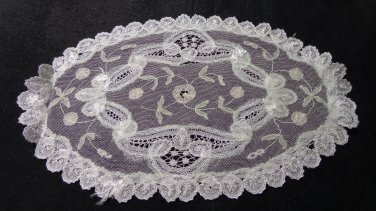 Silken net lace doily Battenburg lace oval antique netlace hc3308