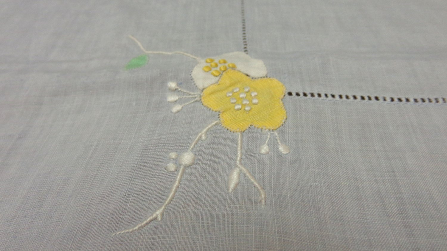 Handkerchief linen tablecloth Madeira embroidery applique baby blue vintage hc3324