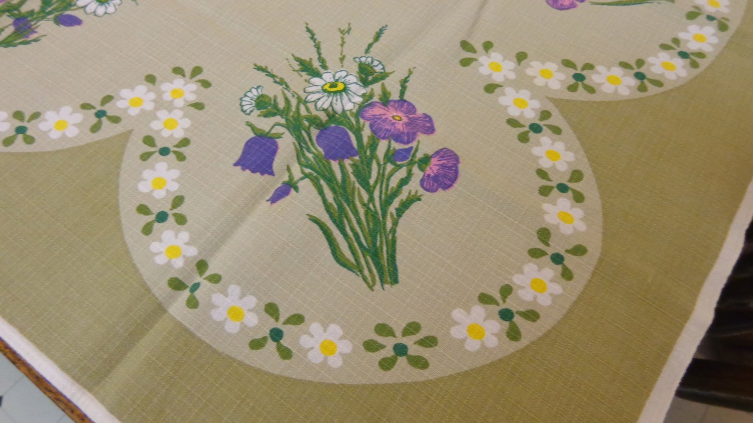 "Barkcloth tablecloth 1960s flower power 34"" olive purple vintage hc3302"