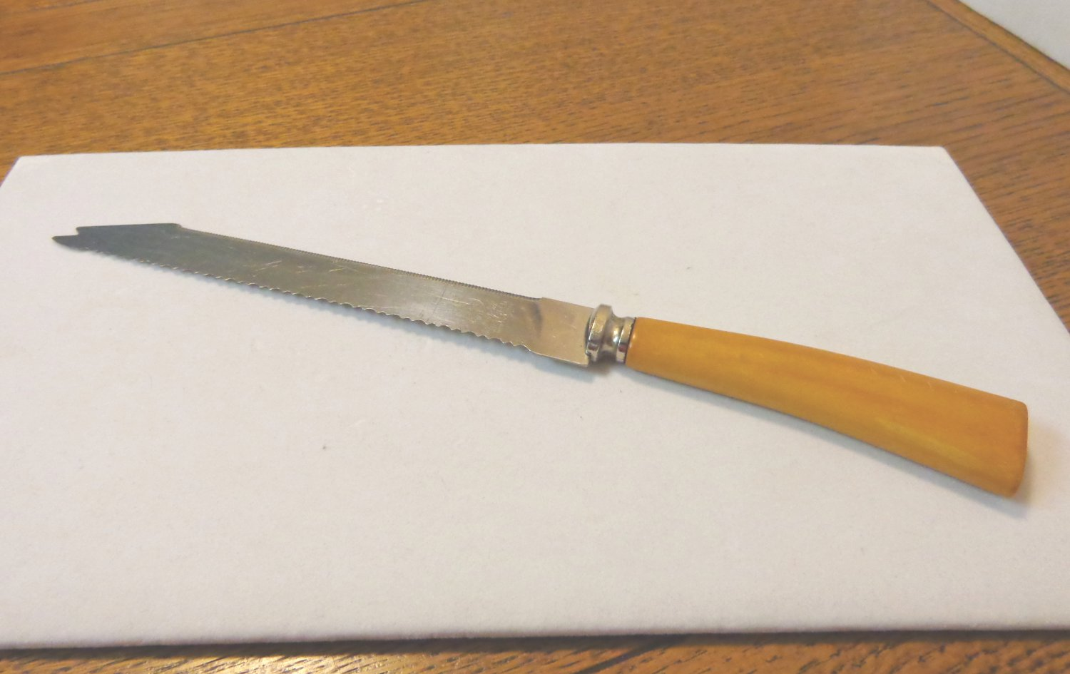 SCC Warranted Cutlery double serrated knife Bakelite handle stainless blade Made in Sheffield hc3346