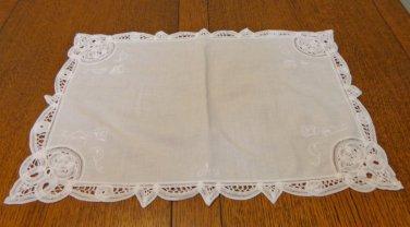 Battenburg lace on white cotton place mat or tray liner vintage hc3357