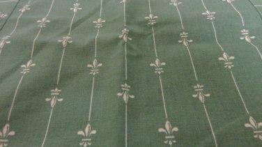 Set of 2 toss cushion covers green white fleur de lis zippers 15 inches hc3369