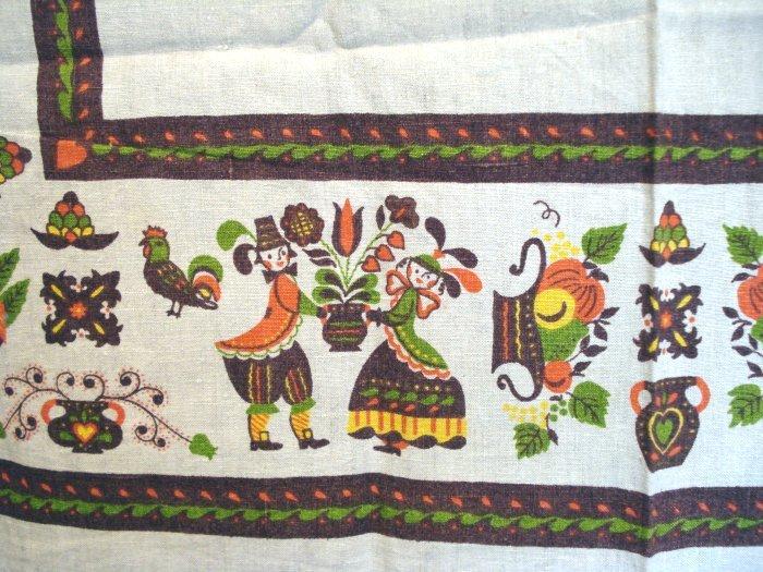 Parisian Prints linen tablecloth colonial motif vintage linens hc1375