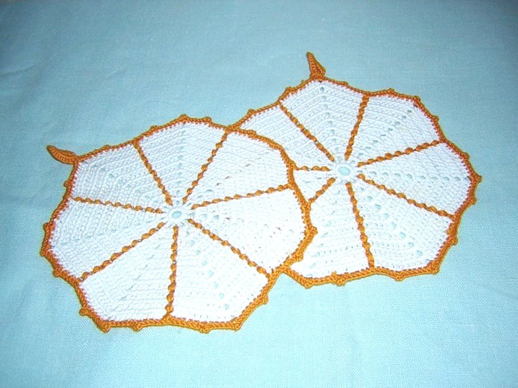 Hand crocheted set of potholders with loops vintage hc1144